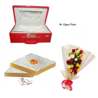 CHOCOLATE BOXES   27cm x 28cm 12 x  VALENTINE HEART SHAPED GIFT BOXES