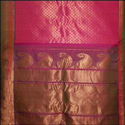 Exclusive Gadwal Pattu Saree GMHP-10 (With Blouse) - Click here to View more details about this Product