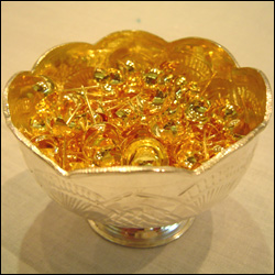 Pure Gold Flowers For Pooja - Flowers Healthy